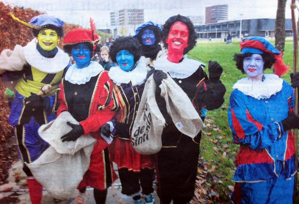 Zwarte Piet / Black Pete; racist???   society culture politics government politics news europe