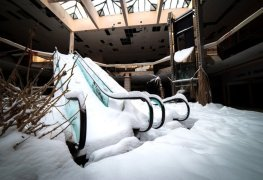 Retail Apocalypse - 5,600 Stores Closing in the US