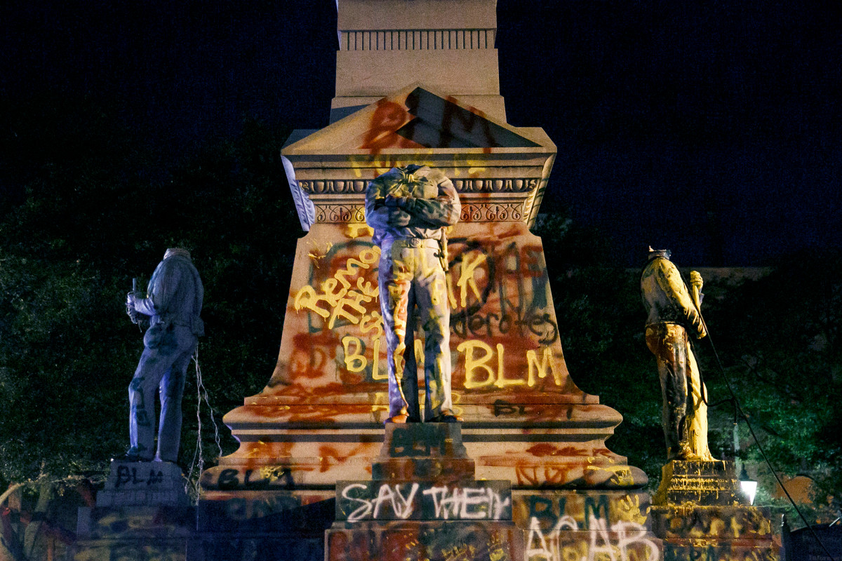 BLM Is Not A Marxist Organization Confederation the statue of Columbus was destroyed throughout the US White Nationalism  us canada politics government europe