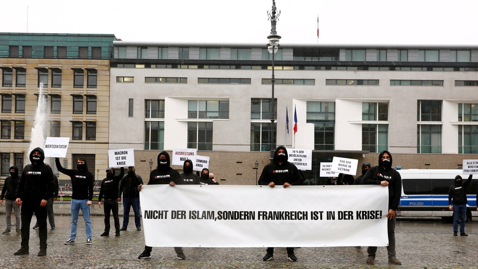 Berlin: Saracens Protest Macron; Jews Support Crackdown On Islam Muslim Protests 2 White Nationalism  politics government news europe