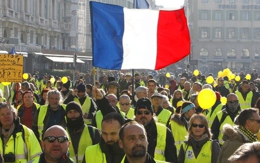 Picks for You yellow vest riot paris 3 526x330